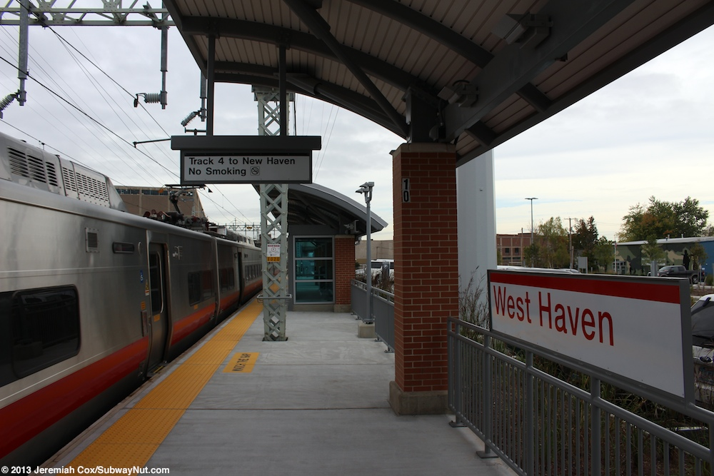 a New Haven-bound m8 Leaves