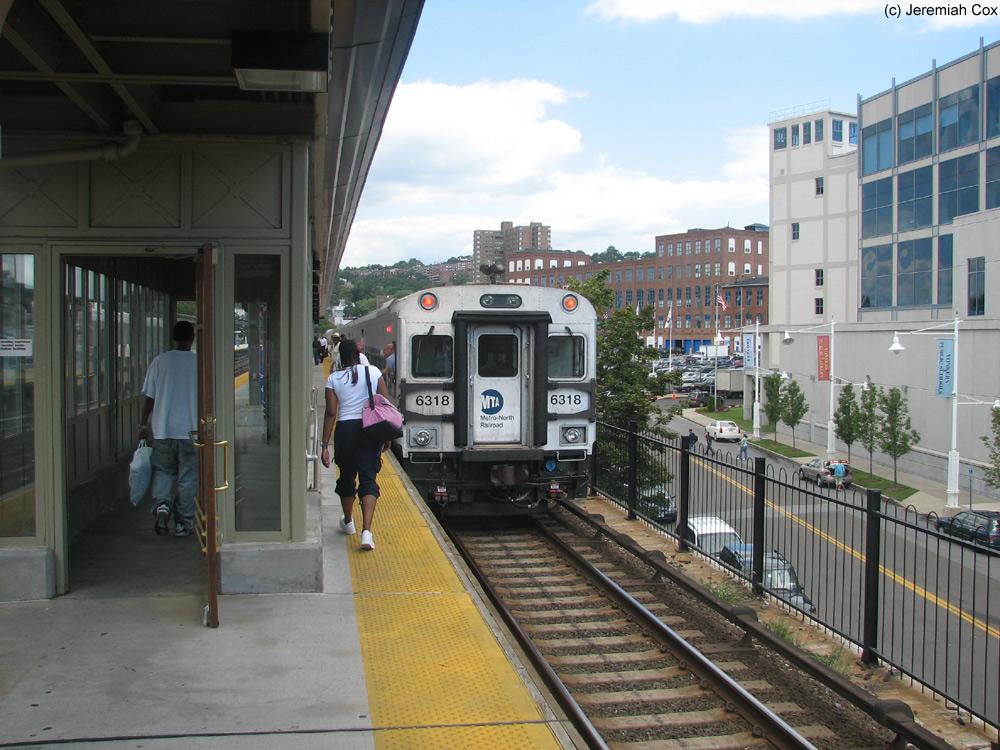 Exterior: Yonkers (Metro-North Hudson Line)
